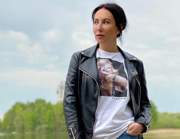 «Молодой Ален Делон»: Алика Смехова поделилась редким кадром с сыном-школьником