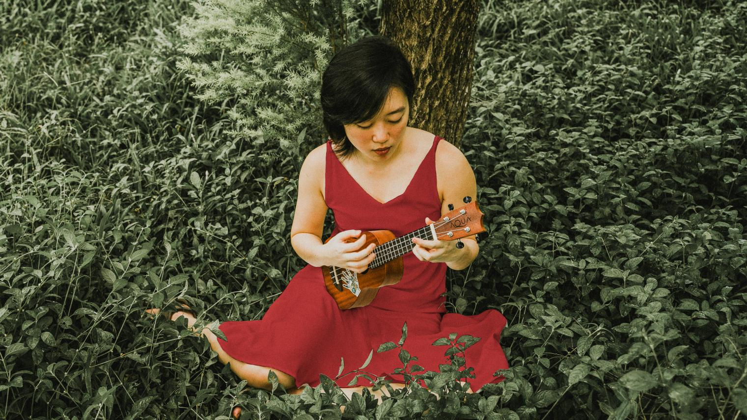 Amanda Ong, performing