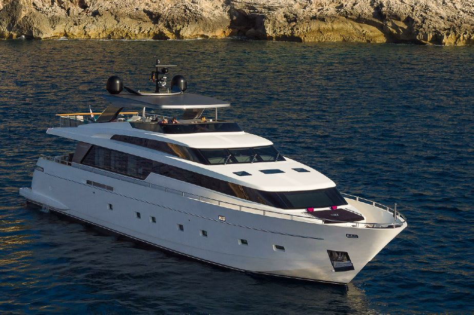 Love boat share France – Take the outstanding SL104 en vacances!