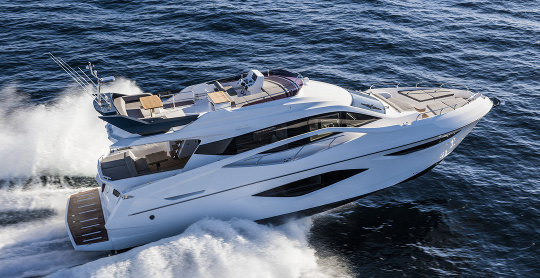 Destination Hong Kong? Travel by Yacht for a Serious Adventure!