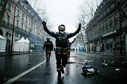 Firefighter Riot, Paris