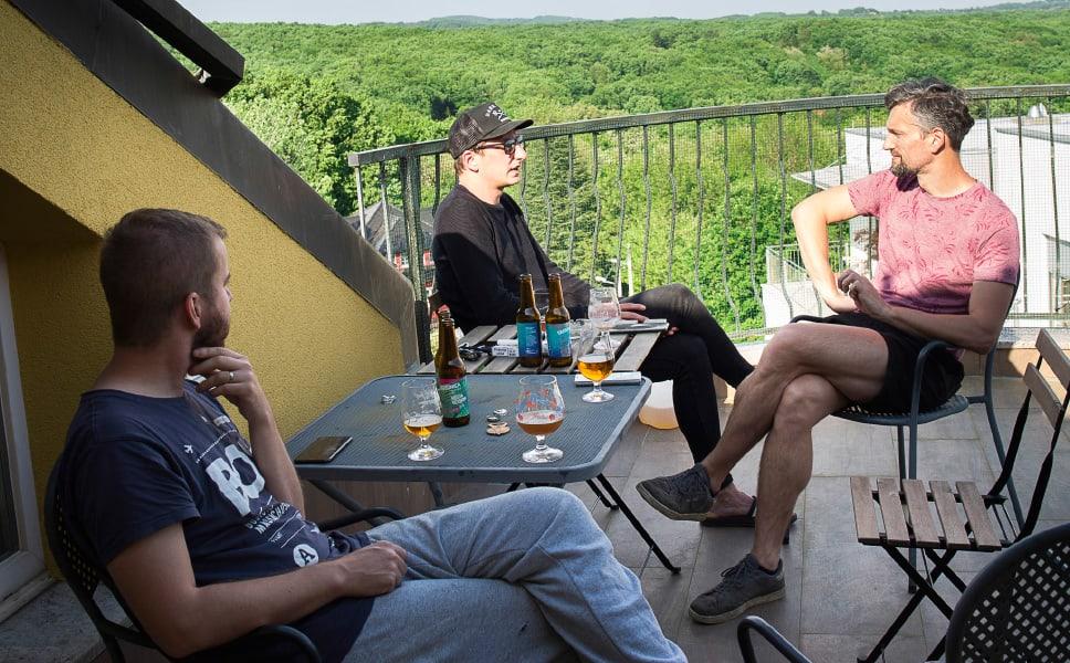 varionica craft brewery craft beer beer varionica brewery beer tasting pivo craft pivo druženje razgovor uz pivo