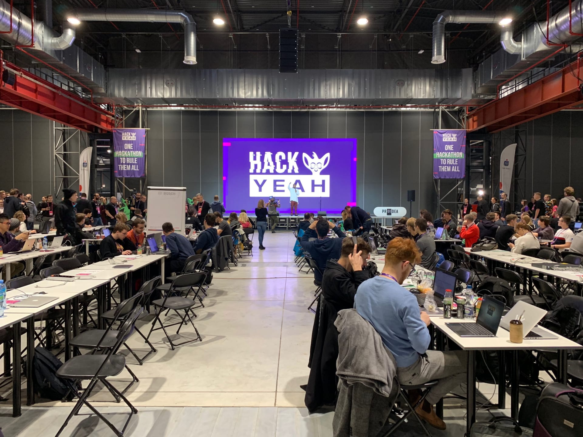 HackYeah 2018 – Boldare Team at the biggest stationary hackathon in the world!