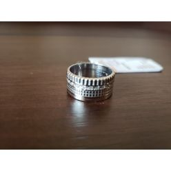 Silver-ring -image