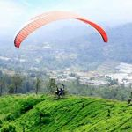 Kegiatan paralayang ini biasa dilakukan di Bukit Gantole Gunung Mas Puncak Bogor. (Istimewa)