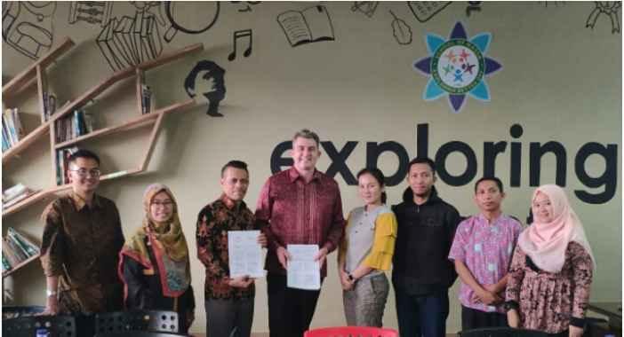 Penandatanganan Kerjasama IDN dengan Nassa School, Bekasi (foto: IDN)