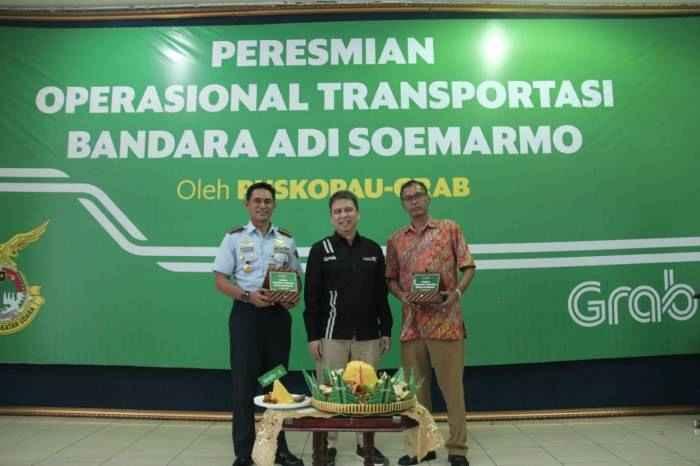 Grab menjadi perusahaan ride-hailing pertama yang secara resmi bekerja sama dengan otoritas bandara di Solo