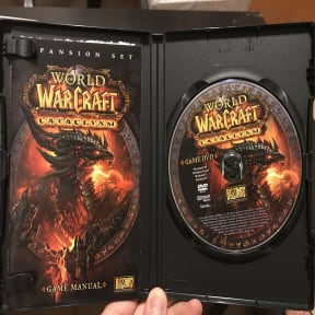 Thumbnail 3 for World of Warcraft collectible boxes