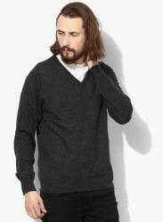 Dark Grey Solid Slim Fit V Neck Sweaters