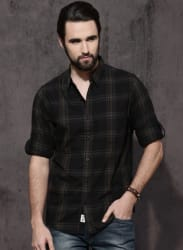Black & Green Regular Fit Checked Casual Shirt