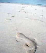 Impronta del piede sulla sabbia