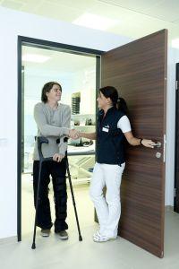 fisioterapista-stampelle-educazione