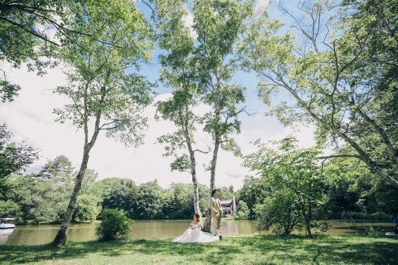 夏の軽井沢で緑に囲まれながら