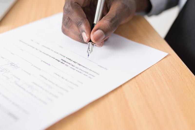 Who Really Benefits from a Payroll Contract?