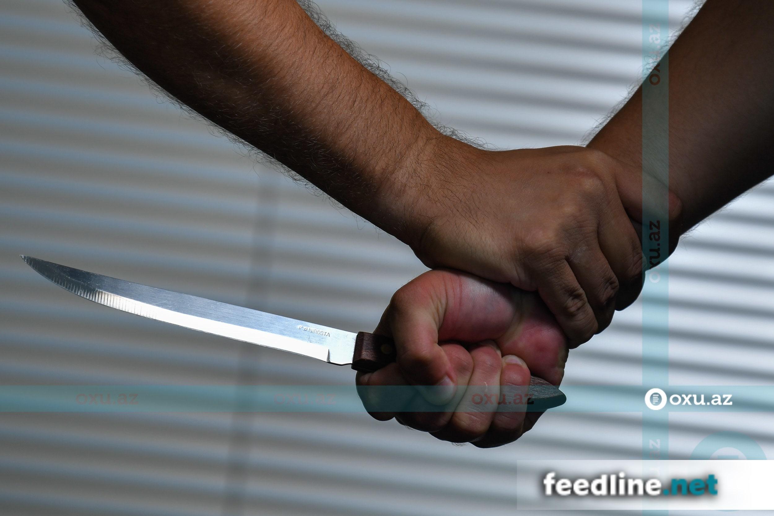 Bakıda qardaş qardaşı bıçaqlayıb