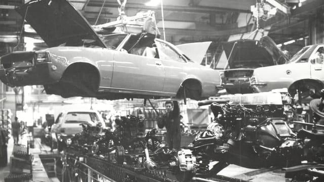 Automontage 1935 bis 1974 in Biel/Bienne.