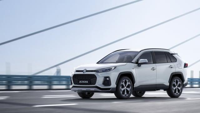 Mit dem Across können auch bestens Verdienende Suzuki treu bleiben.