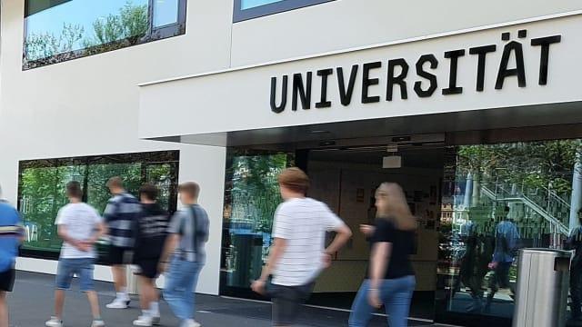 Ungleichheit an den Hochschulen ? Für den Wirtschaftsprofessor Christoph Schaltegger ein Mythos, der sich hält. Foto: Uni Luzern