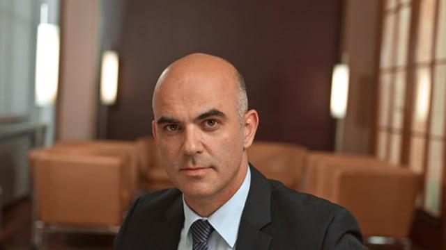 Alain Berset, Bundesrat (SP). Als Vorsteher des Departements des Innern ist er faktisch der Corona-Minister der Schweiz.