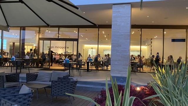 Vollbesetztes Restaurant im Hotel «Lago Maggiore» in Locarno: Virentechnisch offenbar kein Problem. (Bilder: Gloria Schöbi)