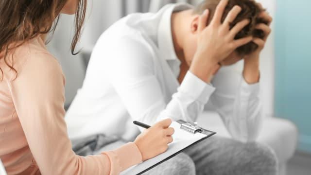 Die Psychische Belastung nimmt besonders bei den Jugendlichen stark zu. (Bild: Shutterstock)