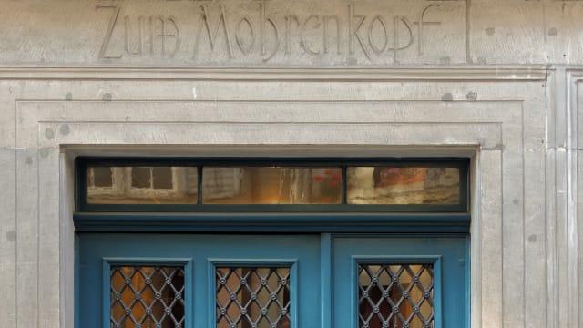 Das Haus zum Mohrenkopf in Zürich wurde auf den Index der rassistischen Gebäudenamen gesetzt. (Bild: wikimedia.org)