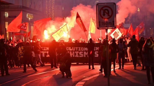 """""""Antifaschistische"""" Demonstration in der Schweiz. Oder wenn junge Leute politischen Halluzinationen verfallen."""