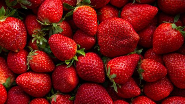 Erdbeeren haben mehr Nährstoffe, wenn der CO2-Gehalt der Luft höher ist. Bild: Shutterstock