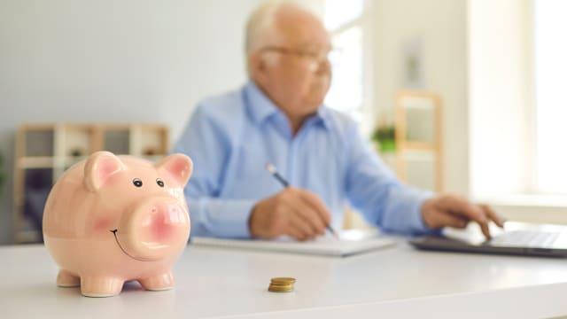 Die Hälfte der älteren Generation will weiter arbeiten, wenn die Bedingungen stimmen. (Bild: shutterstock)