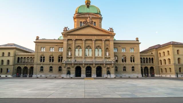 Berner bevorzugt. In den ausserparlamentarischen Kommissionen sitzt nur ein Glarner Bild: Shutterstock