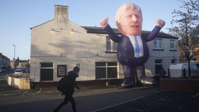 Ein überlebensgrosser Boris Johnson in Hartlepool, Nordengland. Die Konservativen triumphierten in einer Stadt, die seit Jahrzehnten nur Labour gewählt hat.