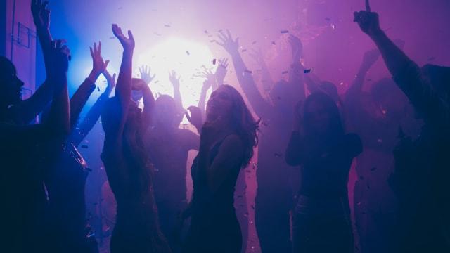 """Mit der """"Nur Ja heisst Ja""""-Regel kann die fröhliche Stimmung an einer Party schnell umschlagen - vor allem für Männer."""