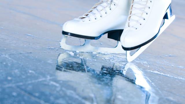Bild: Shutterstock Heisses Eisen - selbst im Eiskunstlaufen sind die Sprünge männlich.