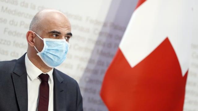 Alain Berset will die Vollmacht, für den Zutritt zu Restaurants Impfung oder Tests zu verlangen. (Bild: Ruben Sprich)