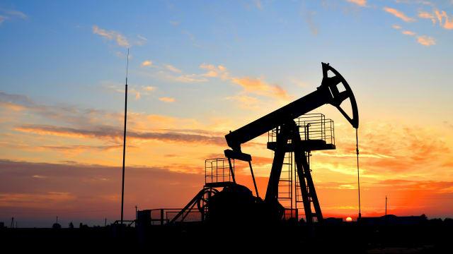 Erdöl-Importe - schädlich für die Schweiz? Bild: Shutterstock