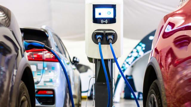 Viele Elektromobil-Fahrer haben keinen Zugang zu Schnellladestationen. Bild: Shutterstock