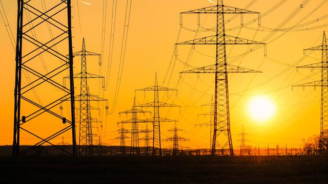 Die Schweiz ist schon heute im Winterhalbjahr auf Stromimporte angewiesen. Bild: Shutterstock