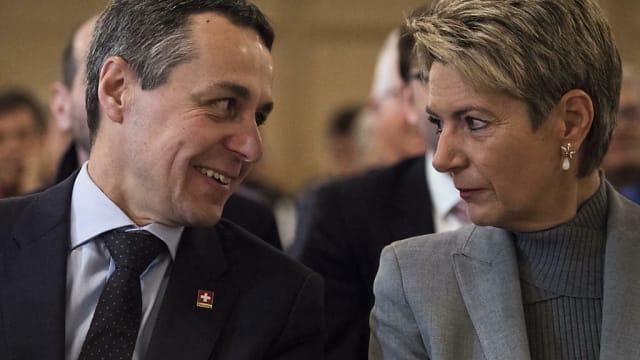 Die beiden freisinnigen Bundesräte Ignazio Cassis und Karin Keller-Sutter. Die FDP sitzt seit 1848 in der Regierung. Steht sie vor dem Rausschmiss?
