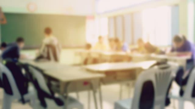 Das Klassenzimmer als Versuchsobjekt – aber die Lehrer werden nicht miteinbezogen. Foto: Shutterstock