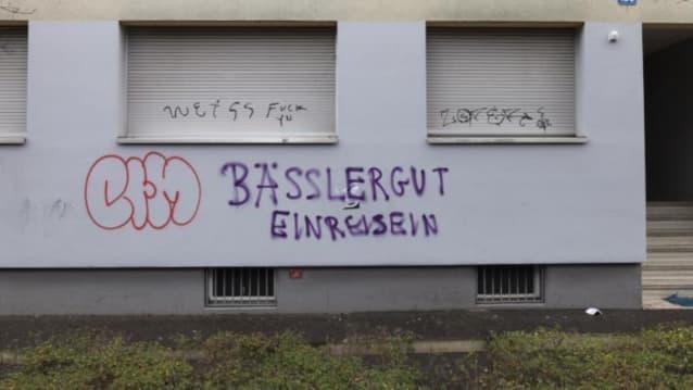 Das Bundesasylzentrum Bässlergut in Basel ist unter Beschuss von linksextremen Kreisen. Bild: Shutterstock