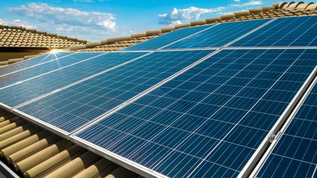 Der Bundesrat will die Subventionen für Wind- und Solarenergie verlänger - entgegen früherer Versprechen. (Bild: shutterstock)