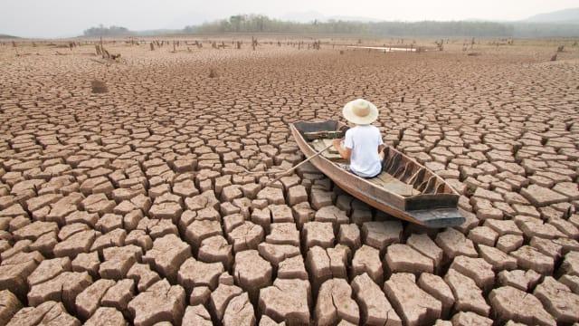 Wie stark beeinträchtigt der Klimawandel die Wirtschaftsleistung? Bild: Shutterstock