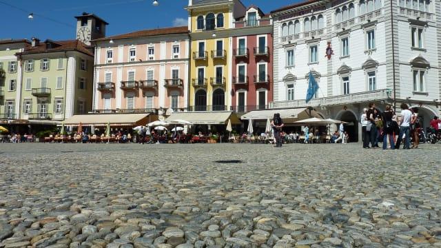 Die Piazza Grande in Locarno. (Bild: Pixabay)