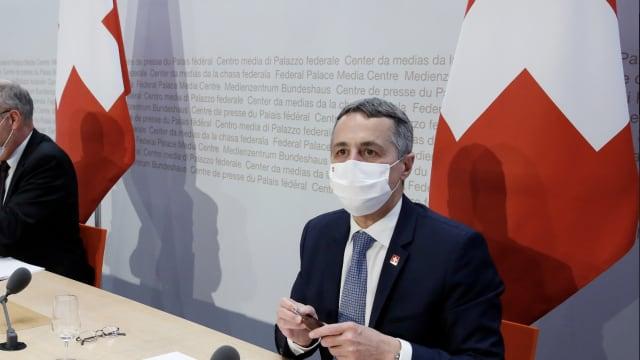 Kein Paradigmenwechsel: Aussenminister Ignazio Cassis (FDP). Bild: Ruben Sprich
