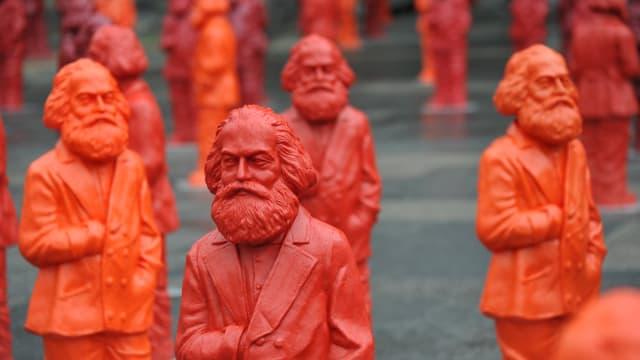Klassenlose Gesellschaft: Das war das Ziel von Karl Marx. Foto: Shutterstock