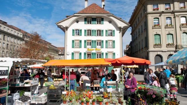 Reges Markttreiben in Bern. Gleichwohl ist der Kanton Bern finanziell nicht eigenständig.