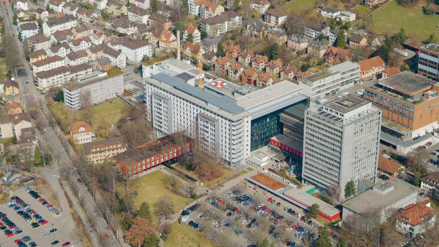 Das Kantonsspital Winterthur in einer Luftaufnahme, (Bild: Kantonsspital Winterthur / OpenStreetMap)