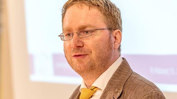 Dr. Benjamin KIlchör.