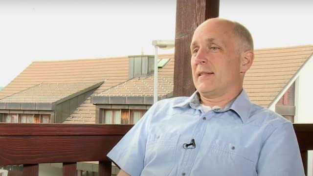 Der Zürcher SVP-Kantonsrat Claudio Schmid. (Screenshot: Schweizerzeit)
