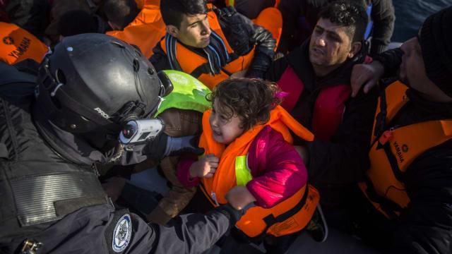Die Frontex-Beamten stehen ständig in der Kritik. Dabei machen sie nur ihren Job. Foto: Keystone